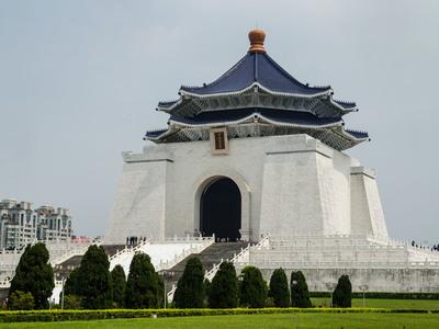 Resize 400x300 chiang kai shek memorial hall         063